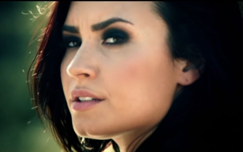 - (c) youtube.com/DemiLovatoVEVO/https://www.youtube.com/watch?v=cwLRQn61oUY