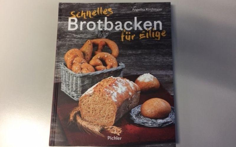 - (c) Schnelles Brotbacken für Eilige / Pichler Verlag / Angelika Kirchmaier/ Christine Pittermann