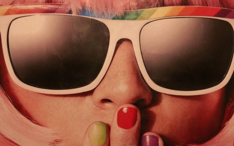 - (c) Counselling/https://pixabay.com/de/mädchen-portrait-fasching-karneval-524141/