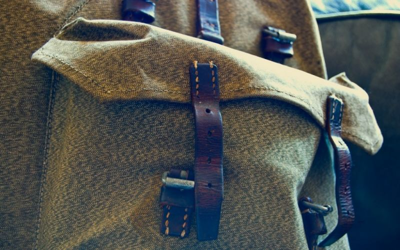 - (c) https://www.flickr.com/photos/andymangold/5227725642/Rucksack Detail/Andy Mangold