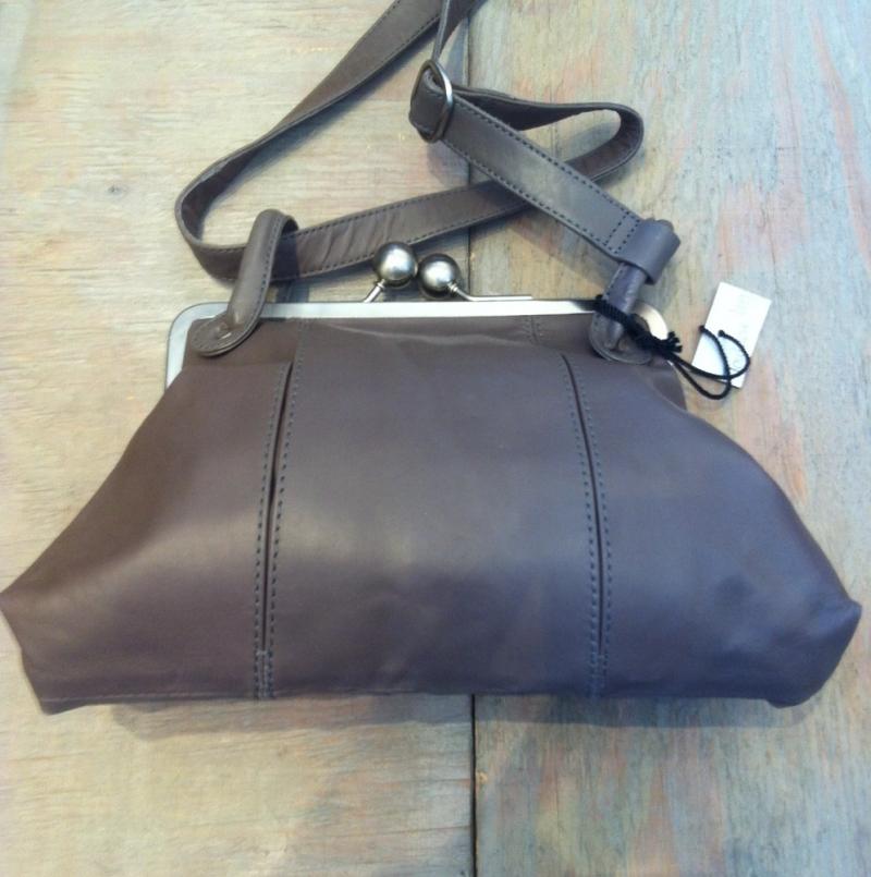 STICKSANDSTONES - Toulouse bag - Bügelhandtasche - Tasche in verschiedenen Farben - LA SEDA Modeschmuck - Köln