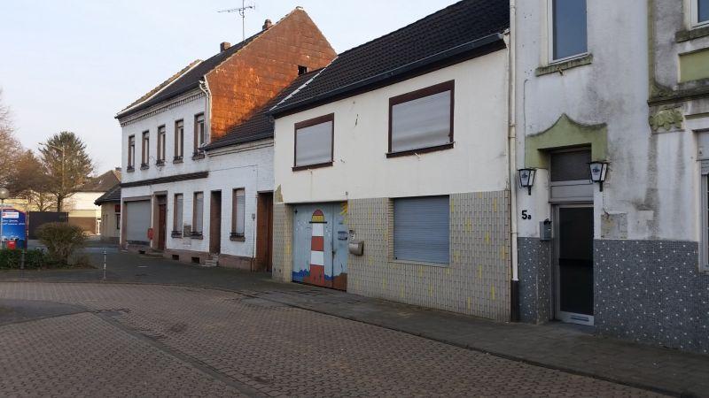 Leerstehende Häuser am Manheimer Marktplatz
