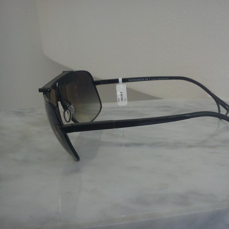 Entourage of 7 Mod. PCH-1. Universell einsetzbare Brillen aus Los Angeles.man kann sie als Sportbrille oder auch ganz lässig für den Alltag tragen. Durch Ihre luftgepolsterten Naseneinlagen und dem Stirnpolster passt sich diese Sonnenbrille dem Gesicht des Trägers an und fühlt sich immer komfortabel an. - 175 Grad - Stuttgart
