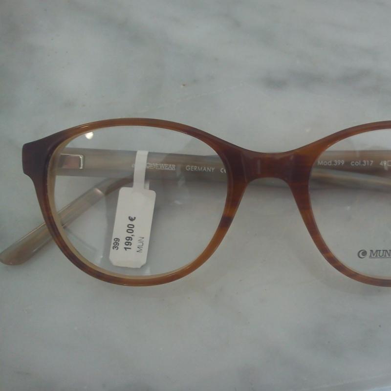 Munic Eyewear. Die Twin- Style Kollektion. Verschiedene Varianten dieses Modells machen die ganze Kollektion interessant und vielfältig zugleich. Zur Auswahl stehen die unterschiedlichsten Maserungen und Finishs - 175 Grad - Stuttgart- Bild 4