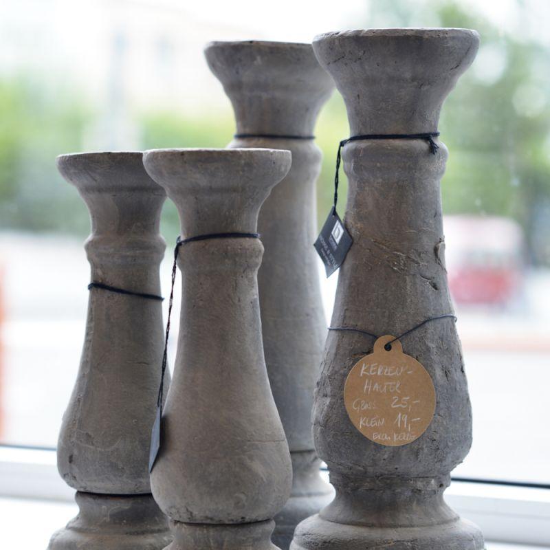 Design Kerzenhalter von BROSTE aus Beton, verschiedene Größen. Preis ab Euro 19,00 - LIEBLINGSSTÜCKE by Das Schauwerk - Stuttgart