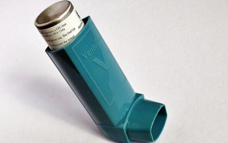 - (c) https://pixabay.com/de/asthma-ventolin-atmen-inhalator-1147735/