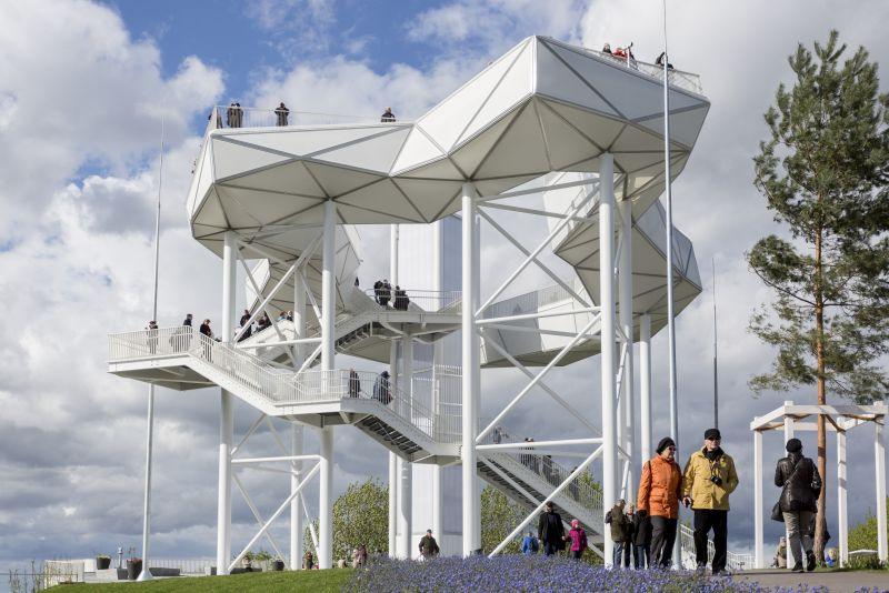 Spektakuläre Aussichten eröffnen sich von der Aussichtsplattform / Frank Sperling