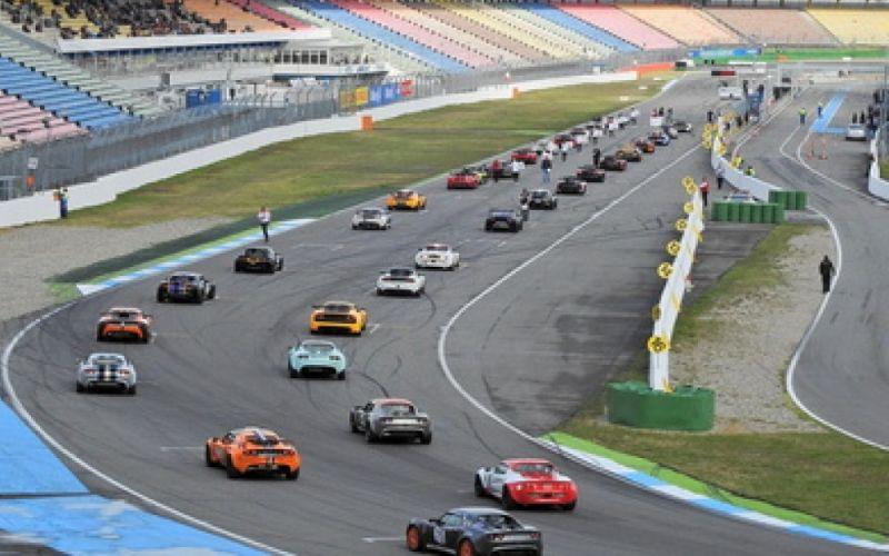 Autorennen Start - (c) Rudolpho Duba  / http://www.pixelio.de/media/726802