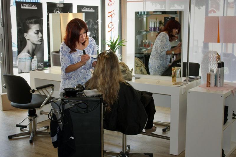 Photo von frieseur & kosmetik Esma Özdogan in Homburg