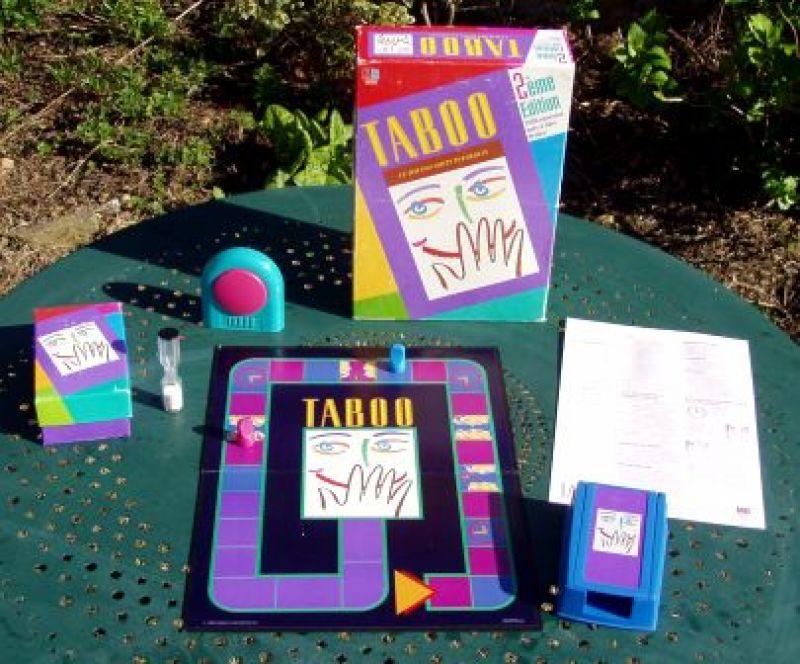 wikipedia/ FH: http://de.wikipedia.org/wiki/Tabu_(Spiel)#mediaviewer/File:Taboo_02.jpg
