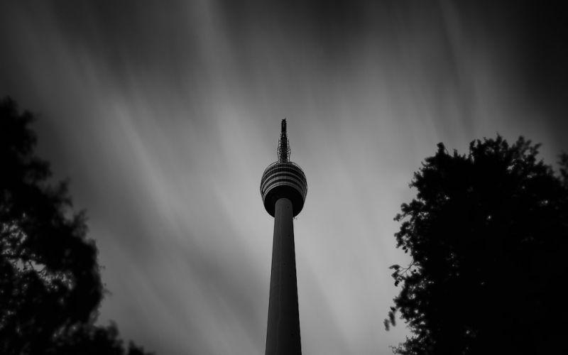 Langzeitbelichtung des Fernsehturmes in Stuttgart - (c) Thomas Schlüter | http://www.pixelio.de/media/543221