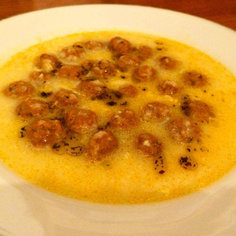 Fleischbällchen in Zitronensauce (Terbiyeli Köfte)