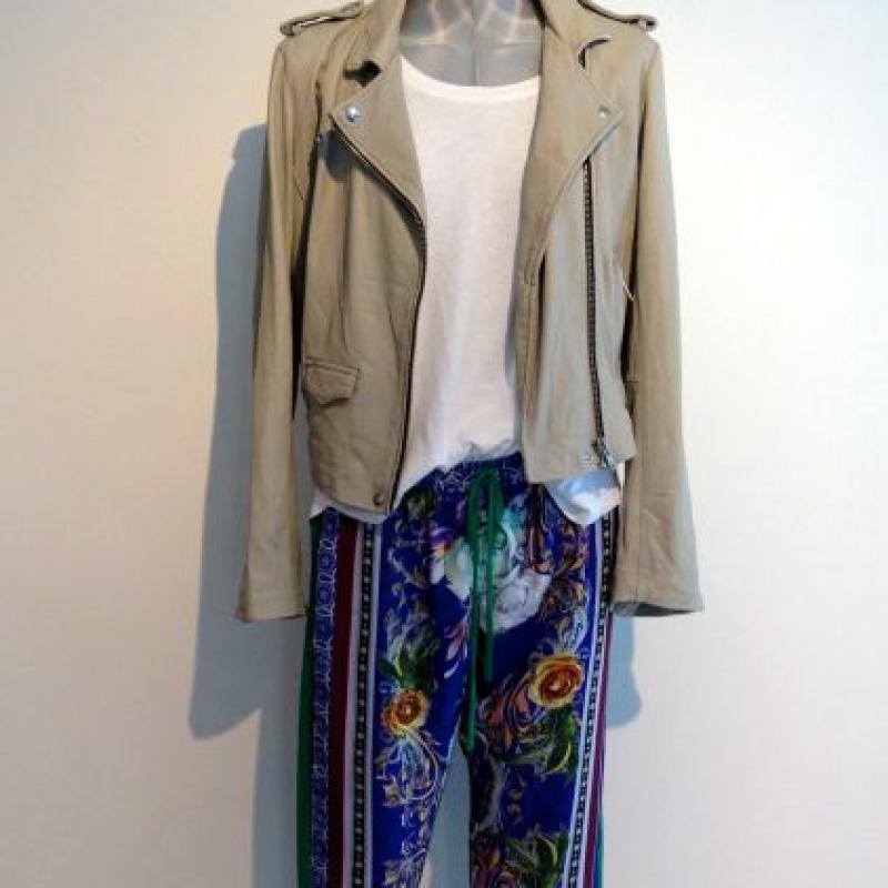 Hose Clover Canyon 279,00  Shirt Splendid 89,00  Lederjacke IRO 949,00 - Best Tina Josenhans - Stuttgart