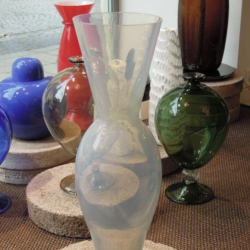 Evanescenze, Vase von Seguso Vetri d´arte, opalines, mundgeblasenes Glas aus Murano. Höhe 45 cm. Preis: € 599,00 - Marcolis Supreme Italian Products - Stuttgart