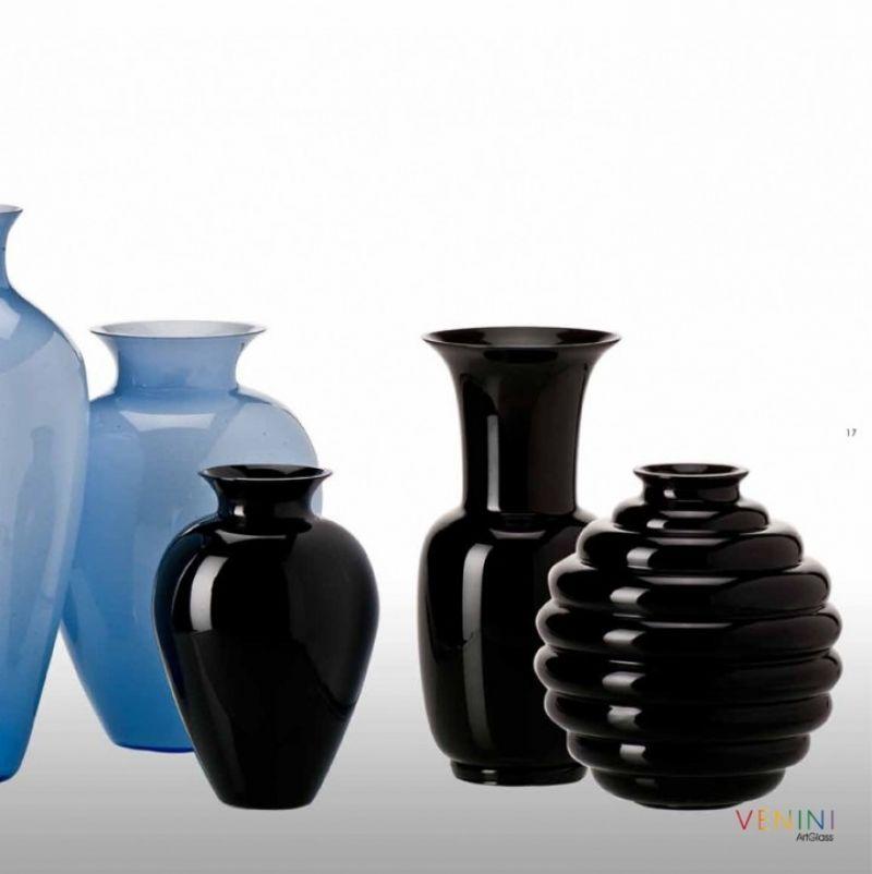 Venini Fall Winter 2013. Labuan, Cinesi und Opaline. Mundgeblasenes Glas in Schwarz und Bluino. - Marcolis Supreme Italian Products - Stuttgart- Bild 2