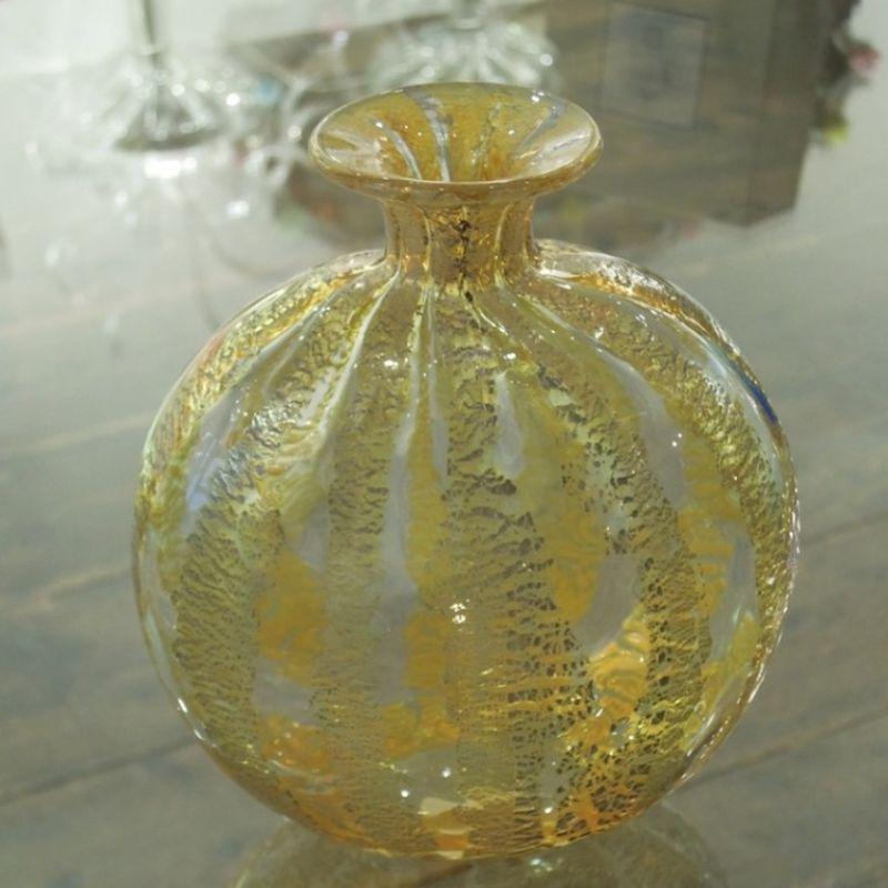 Seguso Viro Decò, Vase aus mundgeblasenem Glas aus Murano. Kristallklar mit Gold, Höhe 17 cm. Preis: € 399,00 - Marcolis Supreme Italian Products - Stuttgart