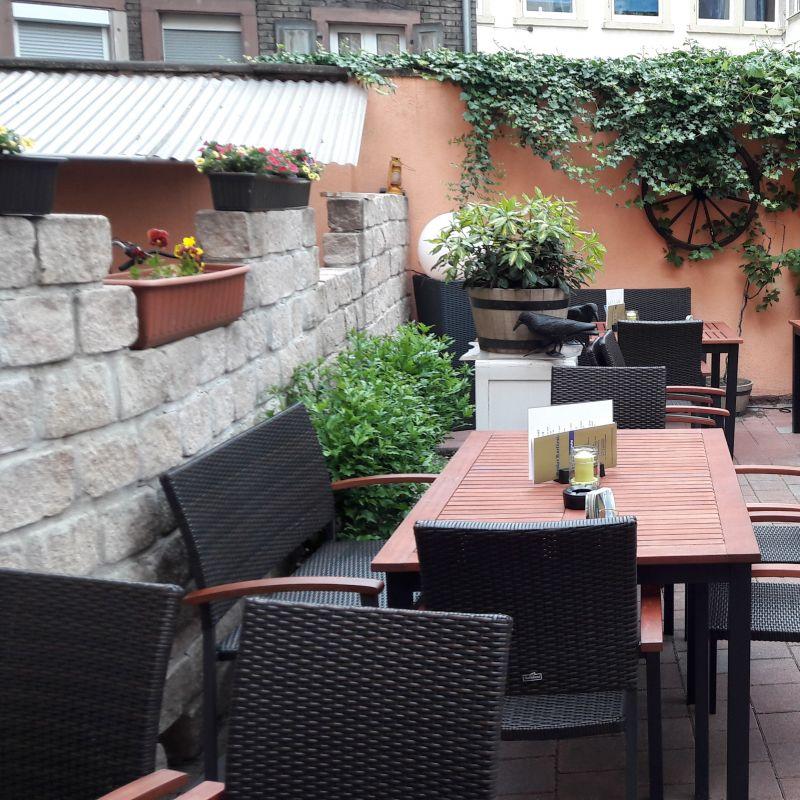 Besuchen Sie auch unseren schönen Kurfürst Biergarten !! Wir freuen uns auf Ihren Besuch.  Ihr Kurfürst Team   - Großer Kurfürst - Karlsruhe- Bild 3