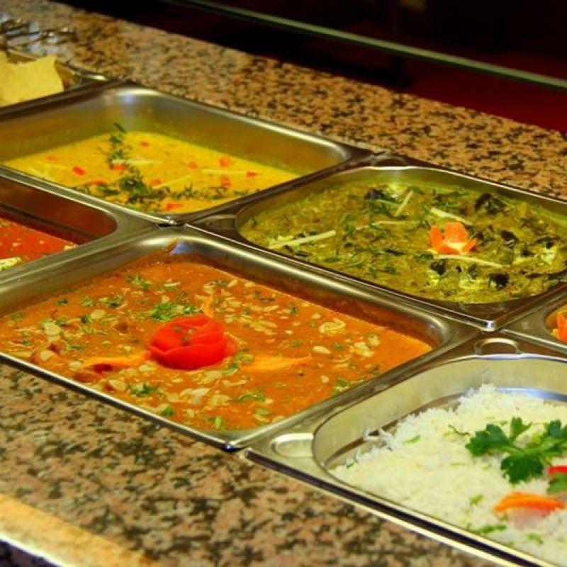Mo - Fr von 11:30 - 14:00 Uhr Mittagsbuffet ( all you can eat) mit abwechselnden 4 Hauptgerichten, sowie indischen Basmati- Reis, salat, Pappadam, Suppe und Nachtisch nur 6,90€.  - Restaurant Vinayaga - Ludwigsburg