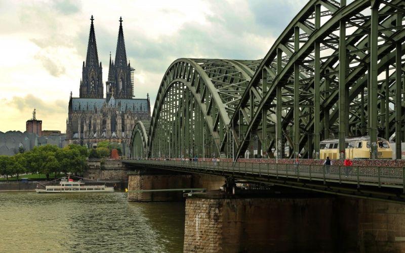 Kölner Dom - (c) akufersoft/https://pixabay.com/de/köln-hohenzollernbrücke-dom-rhein-1165185/