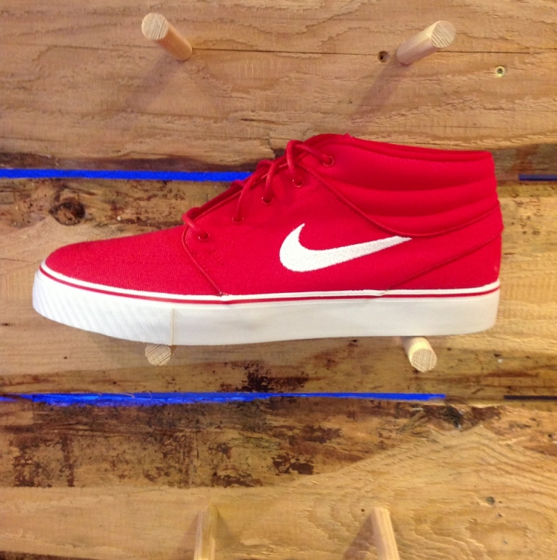 Nike SB Stefan Janoski Mid Red - Roxburry Store Stuttgart - Park and Powder - Stuttgart