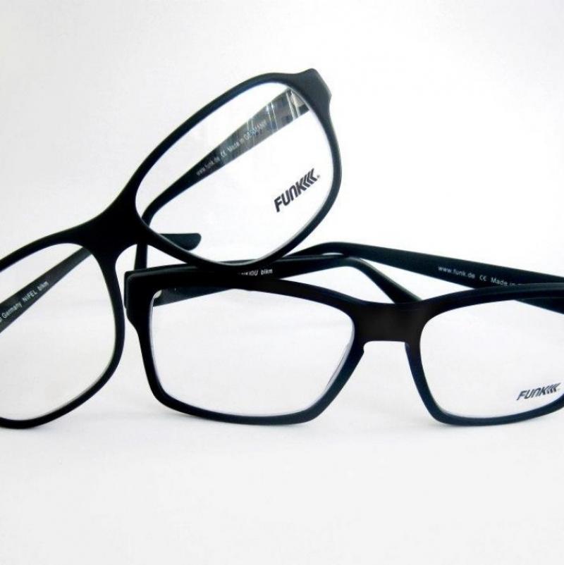 Zu Ehren unseres Bunny's heute zwei Modelle des Tage:  Modell: Nifel & Enkidu  Marke: Funk Eyewear - TOBIAS BRANDHOFER AUGENOPTIK - Köln