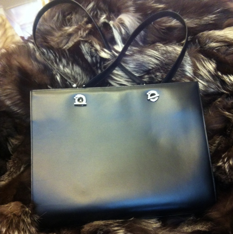 Cartier Damen Handtasche - Echtes Leder - einmal benutzt - wie NEU - Boutique 21 - Köln