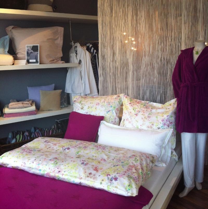 bunte bettw sche 135x200 80x80 chr fischbacher sternen. Black Bedroom Furniture Sets. Home Design Ideas