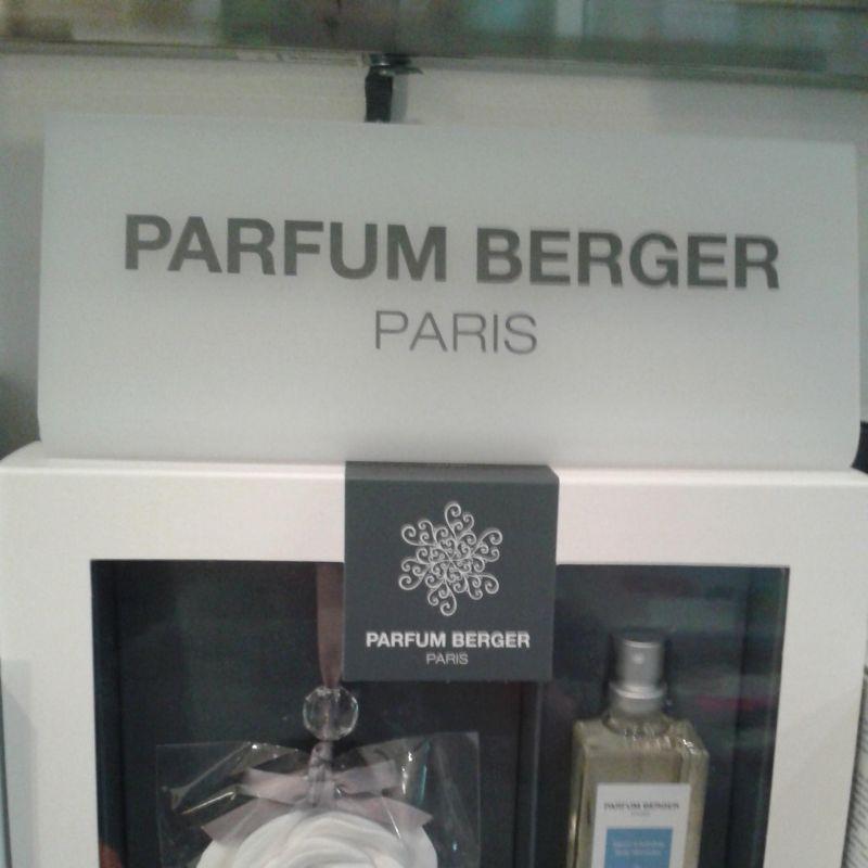 Lampe Berger Paris hat es auch, sein königliches Baby!   Wir haben das große Vergnügen,  die Einführung einer neuen Kollektion aus dem Hause Lampe Berger präsentieren zu dürfen. Entdecken Sie Parfum Berger. Jetzt bei uns erhältlich!  - Praesent - Kirchheim unter Teck- Bild 1