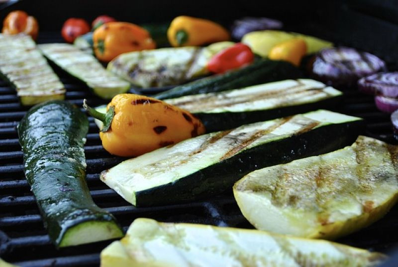https://pixabay.com/en/grilled-vegetables-grilled-grilling-2172704/