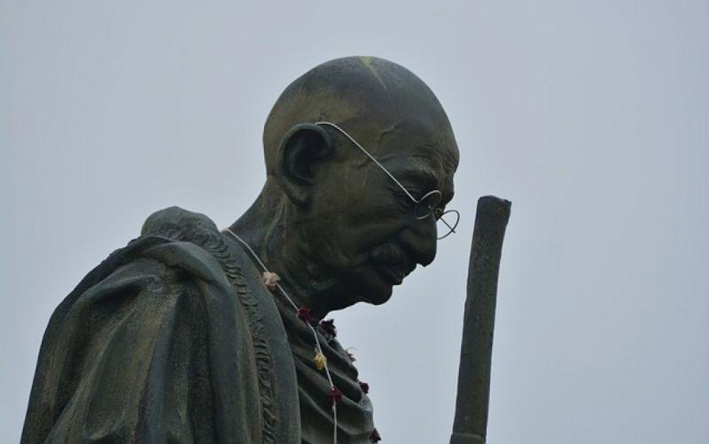 - (c) https://pixabay.com/de/ghandi-statue-indian-gandhi-führer-1267827/