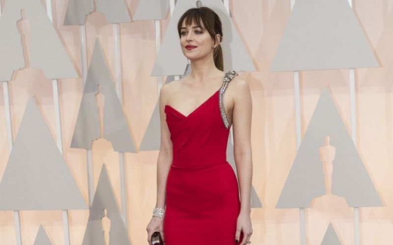 Flickr / Disney | ABC Television Group / Dakota Johnson / https://www.flickr.com/photos/disneyabc/16430916968/in/photolist-r2WKaS-qnHMcr-rjuaL4-qnviZW-r1gBZH-exURcx-exUR7D-exUSkx-exUQEg-exUMhR-exUQ2g-exURN6-exY19Y-exUSiB-exXZxh-exXZJL-aFZvNp-byS79P-6p5ZRE-9y3aaL-dptLUK-8vCMCM-9zs5p-9zs6M-9zrTi-9zs13-9zrP9-2AoPj5-72fsZ-72jMa-9hpJ6-72oAG-9hpHt-72xoH-72fsX-72fsY-wofB5E-vHZeYx-wCxy1G-wEa26J-wESp2D-vHZsF6-vHZEQ6-wFkXWZ-wERzmi-womHrz-wof4mu-wERN42-wERs2i-wERRwe