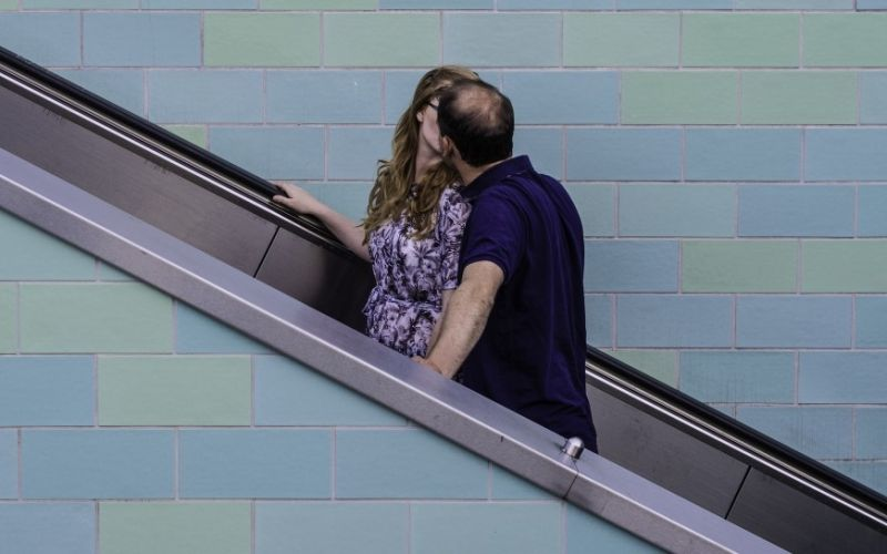 Couple on Escalator || https://www.flickr.com/photos/skohlmann/15069850847 - (c) Sascha Kohlmann / Flickr.com / https://www.flickr.com/photos/skohlmann/15069850847