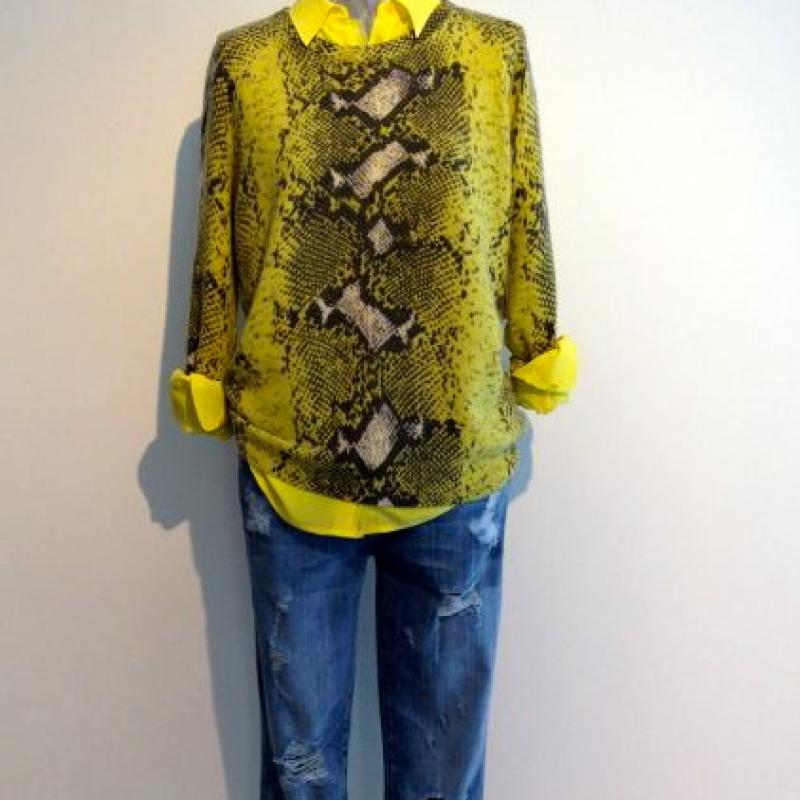 Bluse Equipment 339,00  Puli Equipment 398,00  Jeans Current Elliott 359,00 - Best Tina Josenhans - Stuttgart- Bild 1
