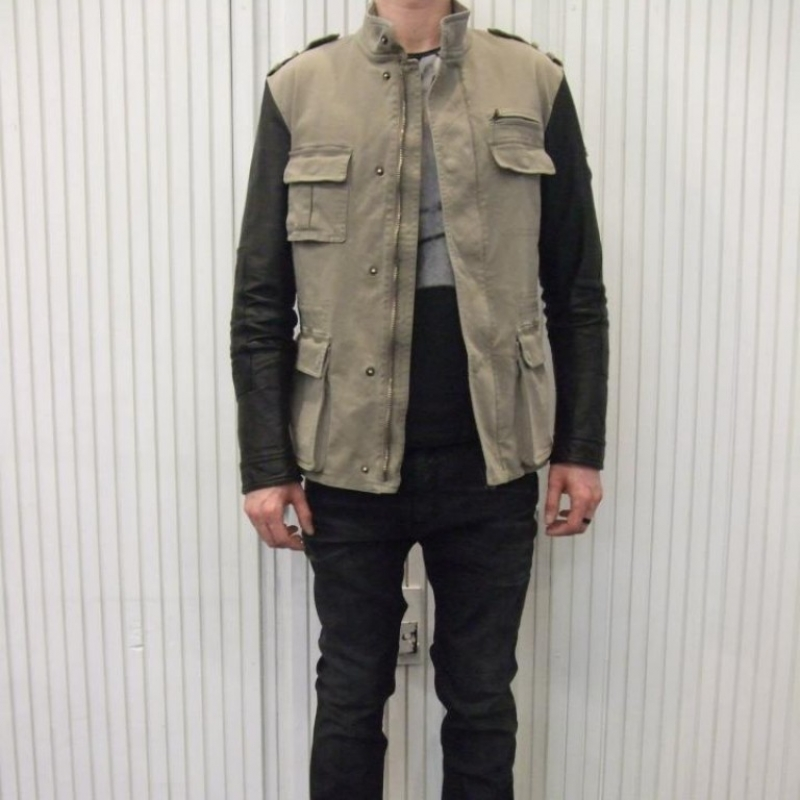 Neil Barrett Jacket - € 1390,- NBF4038 (cotton, leather) Jeans - € 319,- NBF4022 (cotton, washed) - città di bologna - Köln