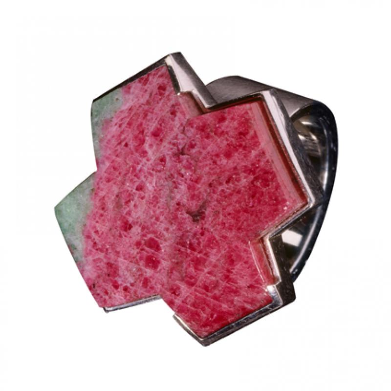 Ring aus Platin mit einem Rubin in Zoisit in X-Form. - Blair Schmuck - Stuttgart