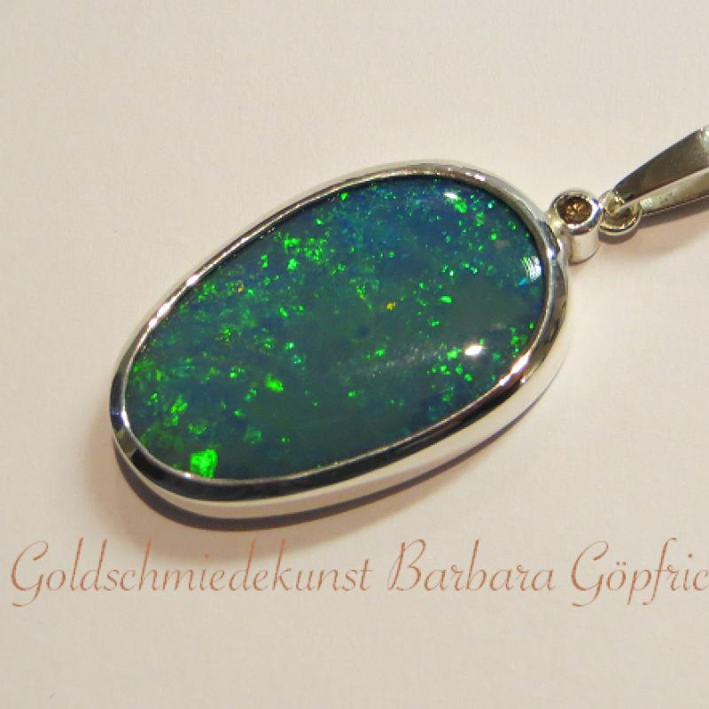 Schwarzer Opal in Silber gefasst mit braunen Brillanten - Goldschmiedekunst Barbara Göpfrich - Backnang