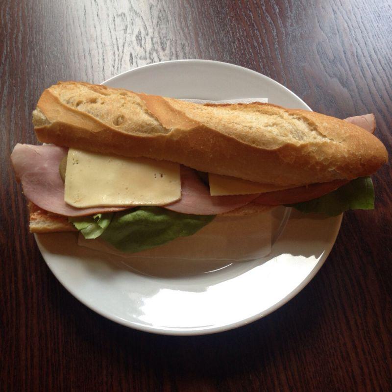 Baguette mit Schinken + Käse - Chez Jerome - Saarbrücken