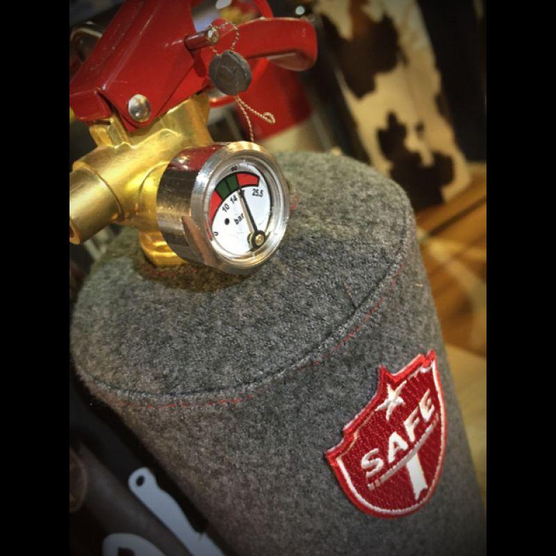 Safe T Feuerlöscher das perfekte #Geschenk für den Mann! €69,- und €99,- im EDWARD COPPER Concept Store in #Reutlingen. www.edwardcopper.com - Edward Copper - Reutlingen