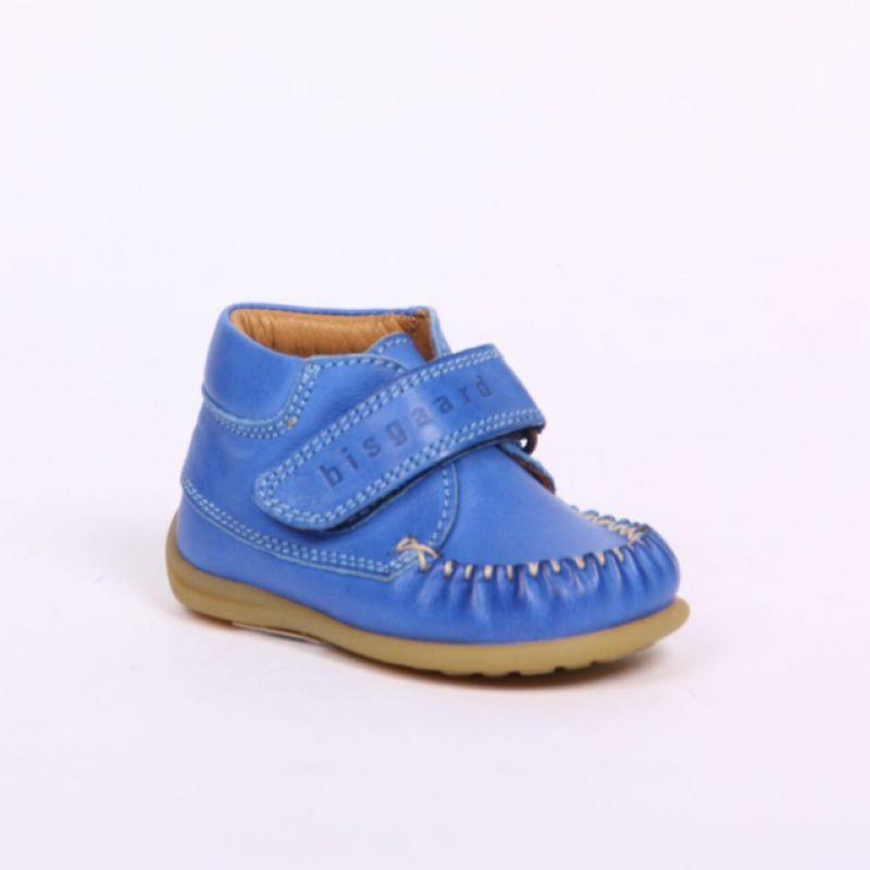 Bisgaard Lauflernschuh mit Klettverschluss und super weicher Sohle. Farbe: cobalt blau - KINDERSTUBE Pforzheim - Pforzheim