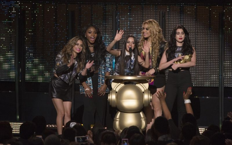 Fifth Harmony  - (c) Flickr / Disney | ABC Television Group / Fifth Harmony / https://www.flickr.com/photos/disneyabc/16648394444/in/photolist-rnanDw-s2B56v-dN71eZ-qabeZH-fvTCk4-nnuhP6-siXBUC-sgSUTo-g1aCWS-ceYWzQ-pAsyaC-cf1KAs-pCth3u-ceYP6U-ceYT4E-pCtj9J-asTGJ-pCdRka-pCveaV-pCv3xH-ceZfoG-ceZw8j-pm1VMT-pCtgMQ-pCt8VY-ceZfyL-7irBXx-cf1KnW-pAsxe9-ceYSos-ceZ3UJ-ceZqGW-ceZpbQ-ceZwP7-pAszvd-EYcWsg-pm1T5D-pCtg2w-pCe4d8-ceZ46q-pm1aRj-ceZqUS-ceZwt9-ceZszN-pm1uW1-8LFouv-ceZvZu-7Rrdmg-ceYR9m-ceZsoW