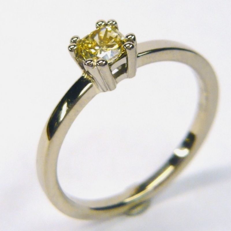 Diamantring, 750/- Weissgold, Daimant fancy yellow  vsi, Radiant Schliff 0,34 ct.  - Marcus Götten Goldschmiedemeister - Köln