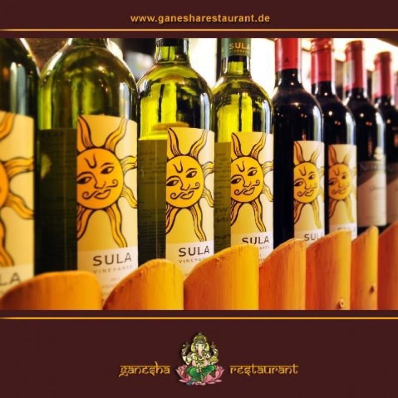 Kennen Sie schon unseren indischen Wein SULA? Durch das sehr sonnige Anbaugebiet in Nordindien ist der Wein sehr fruchtig und aromatisch im Geschmack. Als Weißwein, Rosé oder Rotwein erhältlich.  Gerne servieren wir für Sie ein 0,25 l Glas zum testen: EUR 4,60 (Weißwein) oder  EUR 4,80 (Rosé und Rotwein) - Ganesha Restaurant - Indische und Ceylonesische Spezialitäten - Stuttgart- Bild 1