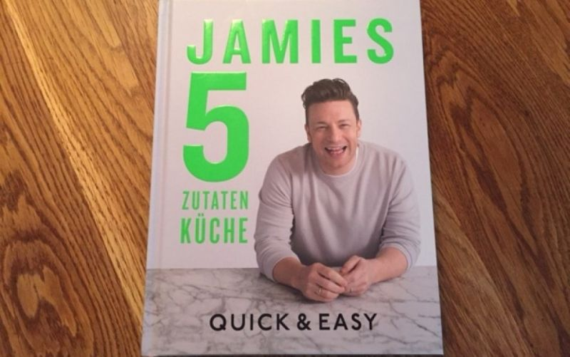 - (c) Jamie Oliver / Jamies 5 Zutaten Küche / Quick & Easy / Christine Pittermann