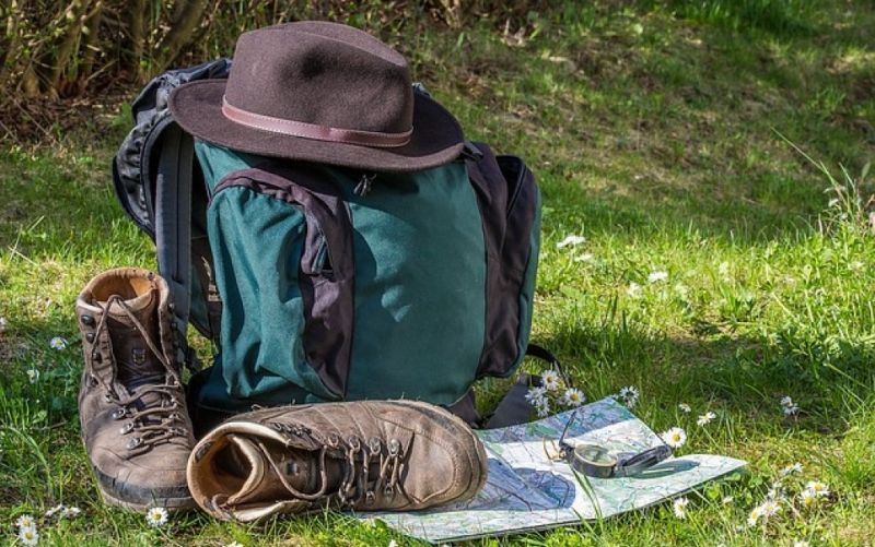 - (c) https://pixabay.com/en/hiking-map-orientation-hiking-shoes-1312226/