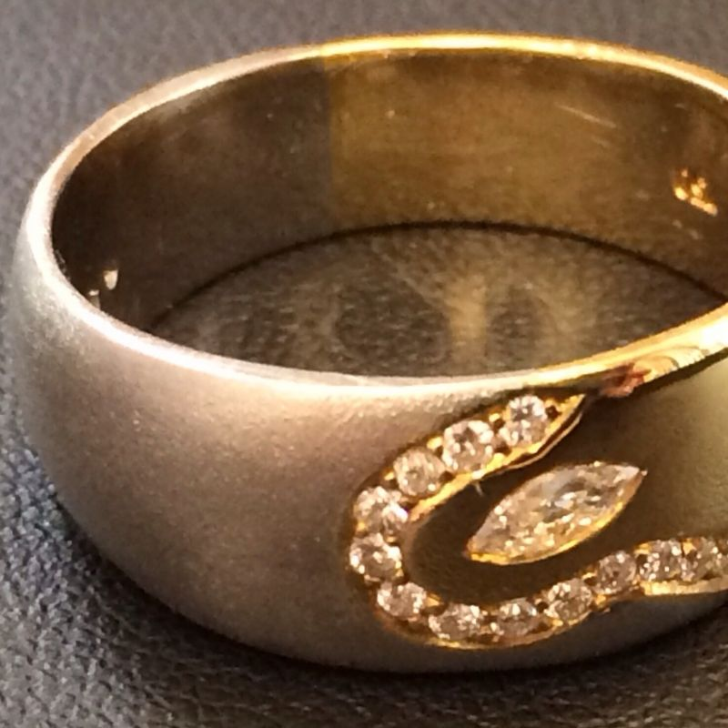 Absoluter Hingucker! Einzelstück! Massiver Ring in 750 Gold und 950Platin mit 0.23ct.Diamanten Neupreis: 2.800.-€ Jetzt nur: 799.-€ Sie sparen insgesamt 71%! - Schwabengold - Stuttgart