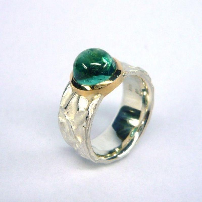 Ring, Silber 925/-, Fassung Gold 750/-, Turmalin cab. (9mm) 3,61 ct. - Marcus Götten Goldschmiedemeister - Köln