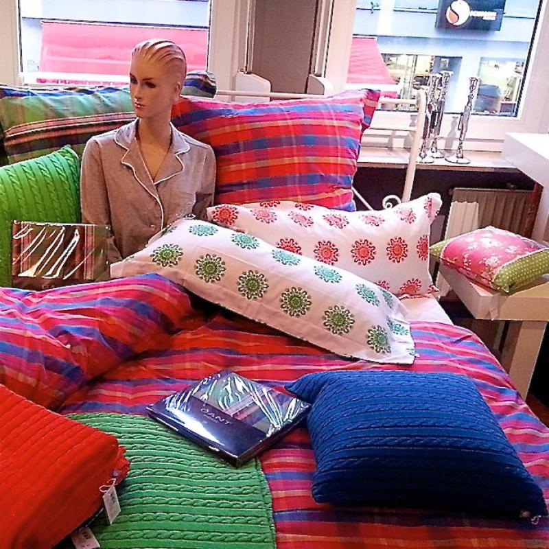 Die neue GANT Home-Kollektion ist da! Kissen, Decken, Bezüge & mehr - jetzt in vielen frühlingshaften Farben & Mustern. - Kultiv - Heilbronn