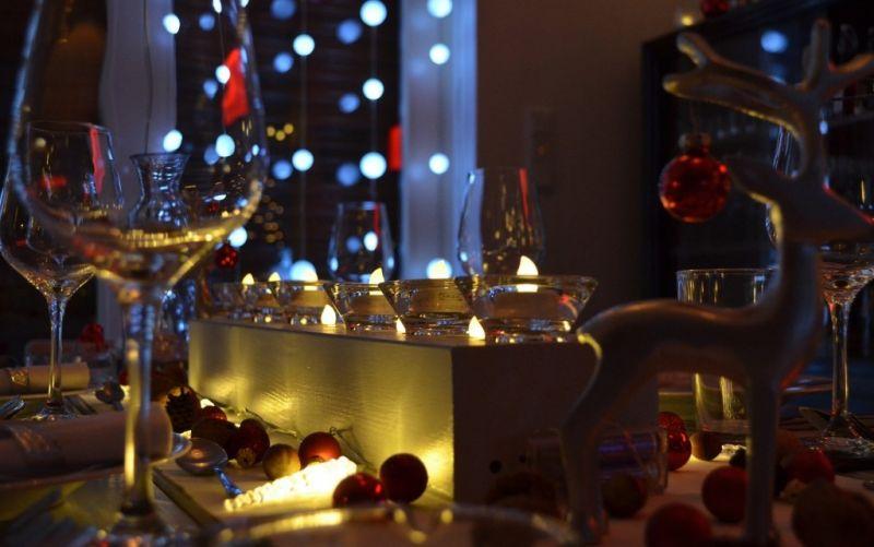 - (c) KlausHuasmann/https://pixabay.com/de/weihnachtsessen-weihnachten-xmas-1003539/