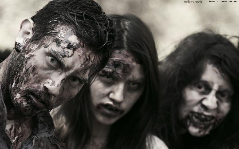 - (c)  Belkro Soak Zombie Walk 2013  Santiago $hile