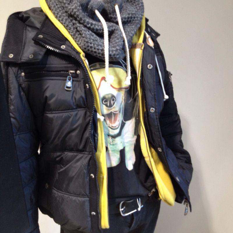 Um das Schwarz-Grau Thema des Winters nicht ganz so dunkel Wirken zu lassen, hier mal sportlich mit Gelb kombiniert....BENCH...SCOTCH&SODA;...NoExcess...BOGNER...PEPE-FOOTWEAR, passende Accessoires wie Gürtel und Schal von HÜFTGOLD! - nice For Men - Ettlingen